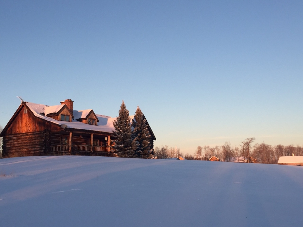 Winter on the ranch is calm and quiet at Flying U in 70 Mile House.