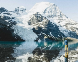 Hiking in Mount Robson Provincial Park