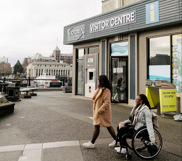 Visitors at the Victoria Visitor Information Centre in the Inner Harbour | Jordan Dyck