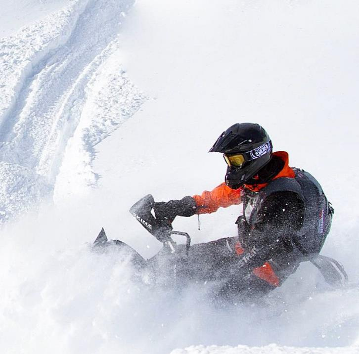Snowmobiling in Golden. Photo: Tourism Golden