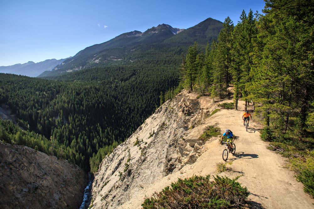 Canyon Creek Trail on the Moonraker Trail System in Golden. Photo: Best Impressions/Kootenay Rockies Tourism