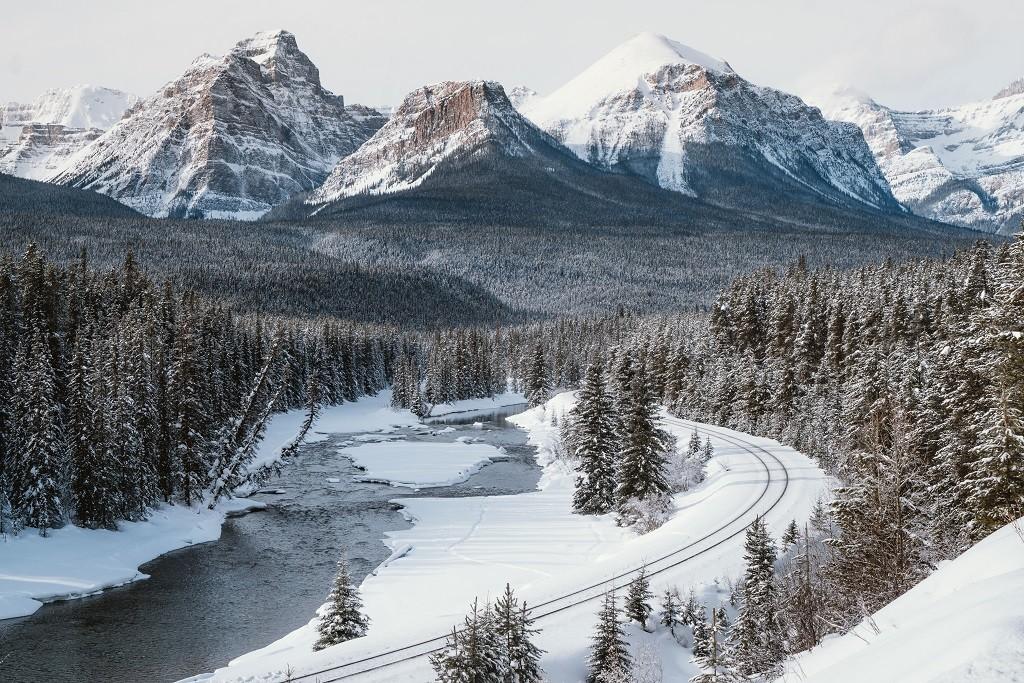 Banff National Park, Alberta. Photo: @jasoncharleshill