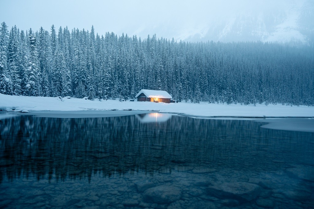 Lake Louise, Alberta. Photo: @jasoncharleshill