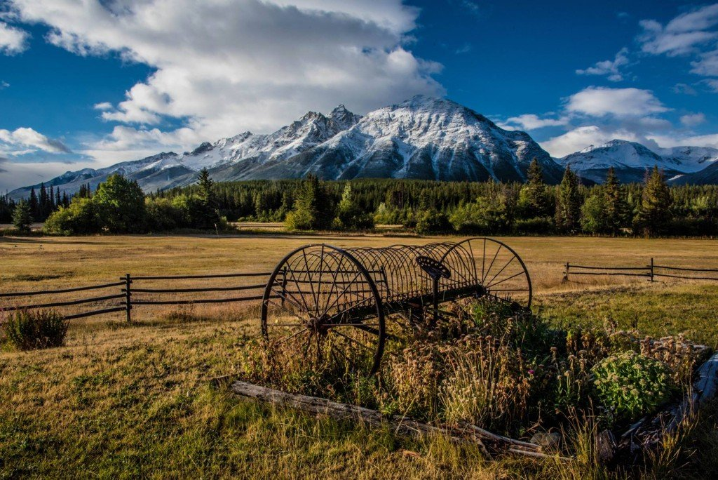 View from Bracewell's Wilderness Adventure Resort, overlooking the Chilcotin Ark. Photo: Geoff Moore