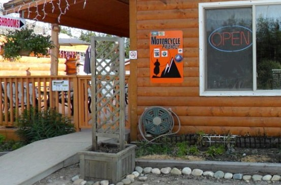 Motorcycle-friendly lodge on the Alaska Highway