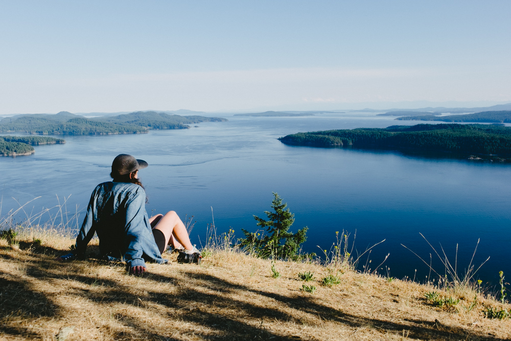 Looking out over the Southern Gulf Islands from Mount Galiano