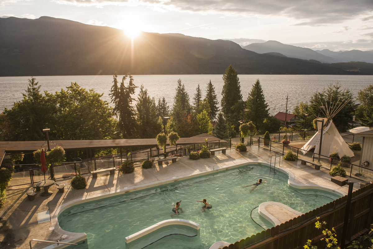 Ainsworth Hot Springs | Kari Medig
