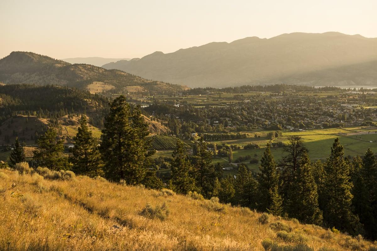 Overlooking Summerland | Kari Medig